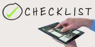 Составное изображение croped рук бизнесмена используя цифровую таблетку Стоковое фото RF