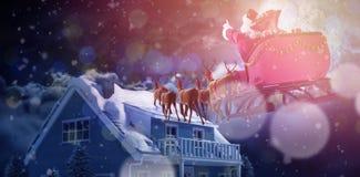 Составное изображение defocused светов и камина рождественской елки Стоковые Изображения