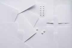 Состав белого листа бумаги на медицинских вопросах стоковое изображение