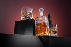 Состав вискиа в стекле и бутылке Стоковые Изображения