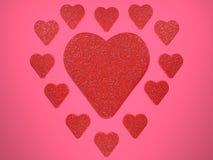 Состав красных сердец яркого блеска на розовой предпосылке Иллюстрация цифров 3d представляют Стоковые Фотографии RF