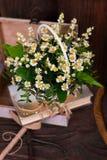 Состав оформления стоцвета с книгами и коробкой дальше Стоковое Фото