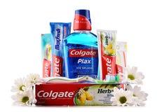 Состав при продукты Colgate изолированные на белизне стоковое фото rf