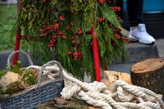 Состав рождества с деревом, журналами и веревочкой Стоковое Изображение RF