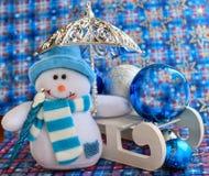 Состав рождества снеговика и скелетона с украшением Стоковые Изображения RF