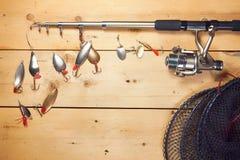Состав рыбной ловли с двигая под углом снастями Стоковые Изображения