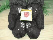 Состав сердца подарка рождества на деревянной предпосылке Стоковые Фото