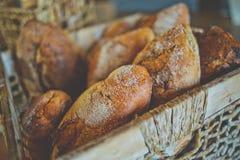 Состав с разнообразием продуктов выпечки на деревянном столе Стоковые Фотографии RF