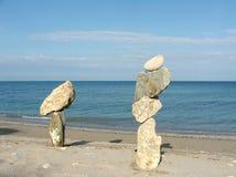 Состав с различными камнями и морем стоковая фотография rf