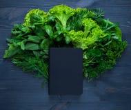 Состав с салатом и тетрадью Стоковое Изображение