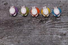 Состав с rubbits пасхи Деревянная текстура для предпосылки Стоковые Изображения RF