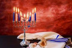 состав Хануки еврейского праздника праздничный для на темной предпосылки Стоковые Фотографии RF