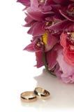 состав цветет кольца лепестков wedding белизна Стоковая Фотография RF