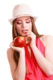 Состав шляпы лета женщины красочный держит плодоовощ яблока Стоковые Фотографии RF