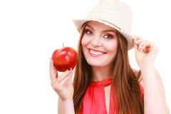Состав шляпы лета женщины красочный держит плодоовощ яблока Стоковая Фотография