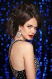 состав jewelry hairstyle женщина способа Красивый элегантный парень Стоковые Изображения