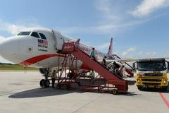 Состыкованная авиакомпания двигателя Air Asia стоковые фото