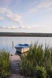 Состыкованная маленькая лодка Стоковая Фотография RF