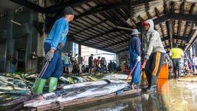 Состыкованная рыбацкими лодками гавань Chenggong удя извлекает липкую жидкость рыбной ловли Стоковая Фотография