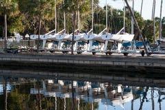 Состыкованные шлюпки в Марине Флориды Стоковое Фото