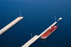 состыкованный нефтяной танкер Стоковые Изображения RF