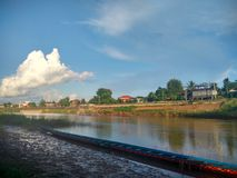 Состязание по гребле конкуренции длинное на реке Nan в Nan, Таиланде Стоковые Изображения RF