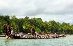 Состязания по гребле змейки Кералы стоковые фото
