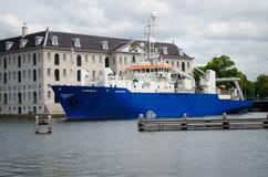 Сосуд исследования/обзора в порте Амстердама, Нидерландов Стоковые Фотографии RF