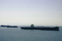 Сосуды контейнера для перевозок, гавань обоза корабля aproaching Стоковое Фото