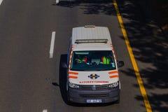 Сотрудник военно-медицинской службы корабля машины скорой помощи стоковое фото rf