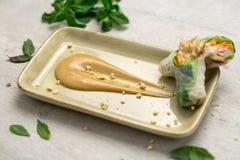 Соус и блинчики с начинкой арахисового масла Стоковая Фотография RF