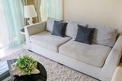 Софа и подушки Стоковая Фотография
