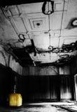 софа комнаты disrepair Стоковое Фото