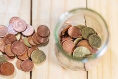 Сохраните деньги и банк счета для концепции дела финансов стоковое изображение