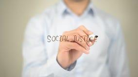 Социальная справедливость, сочинительство человека на прозрачном экране Стоковые Фото