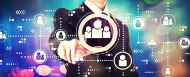 Социальная тема соединений с бизнесменом стоковое изображение rf