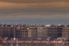 Социальное снабжение жилищем на окраинах города Стоковые Фото
