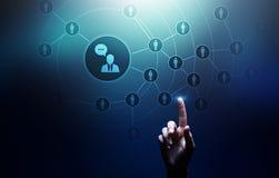 Социальные средства массовой информации платформа, структура связи клиента, SMM, маркетинг Интернет и концепция технологии дела стоковые изображения rf