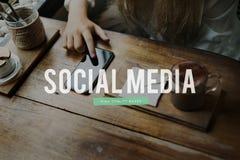 Социальные средства массовой информации общаются концепция блога технологии стоковая фотография