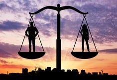 Социальный баланс между женщинами и людьми Стоковое фото RF