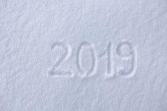 2019 Сочинительства на снеге счастливое Новый Год Красивый холодный солнечный зимний день стоковое фото