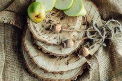 Сочные груши на деревянной предпосылке Стоковая Фотография