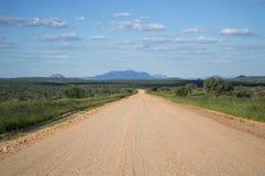 Сочный ландшафт горы с шоссе, Намибией стоковые фото