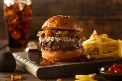 Сочный гамбургер голубого сыра Стоковое Изображение RF