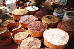 Соя, рис и другие заводы Рынок города антенн стоковые изображения rf