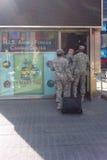 Солдаты в Таймс площадь стоковая фотография rf
