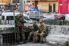 Солдаты имея пролом Стоковые Фото