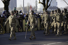 Солдаты на militar параде в Латвии Стоковые Изображения RF