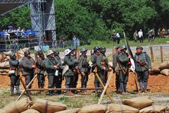 Солдаты стоят в ряд Стоковое Фото