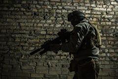 Солдат армии с оружиями Стоковое фото RF